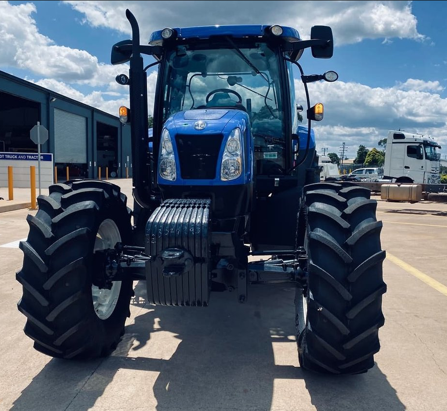 New Holland T6070 3